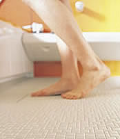 冷たいお風呂の床、さようなら!