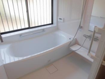 明るい浴室が完成