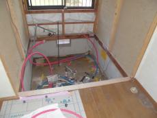 既存浴室の解体