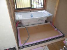 浴槽の据付け