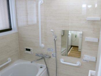 明るく使いやすく!段差解消により安全性を確保 大垣市赤坂町H様邸浴室・洗面・トイレ事例